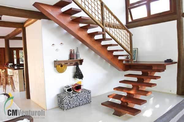 Escada de Eucalipto